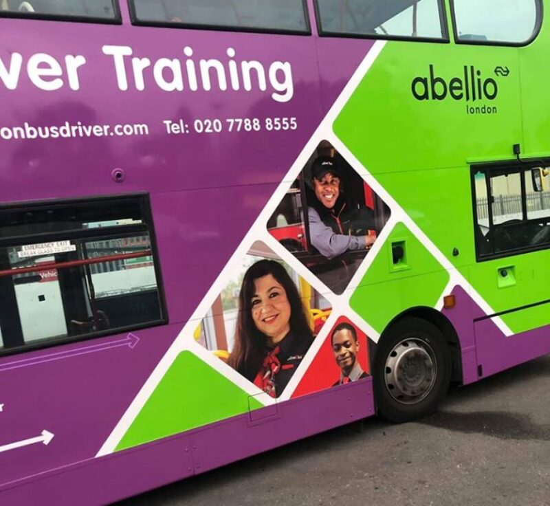 Ζωή-Δενδραμη-λονδίνο-abellio-bus